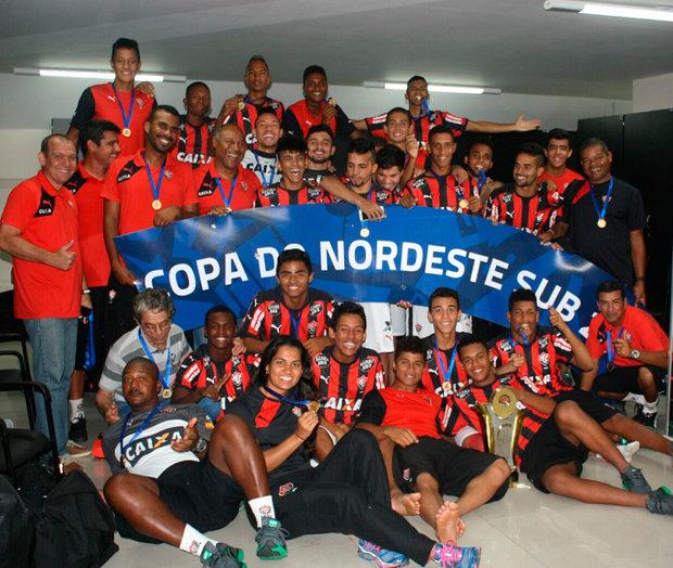 Divisão de Base  Vitória levanta o título da Copa do Nordeste Sub-20 ... 08ea682056504
